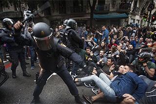 Càrrega policial durant l'1 d'octubre